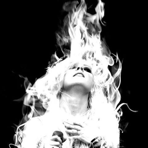 // You want me to burn, and maybe I will finally learn.//🔮🌹 { #taylormomsen…
