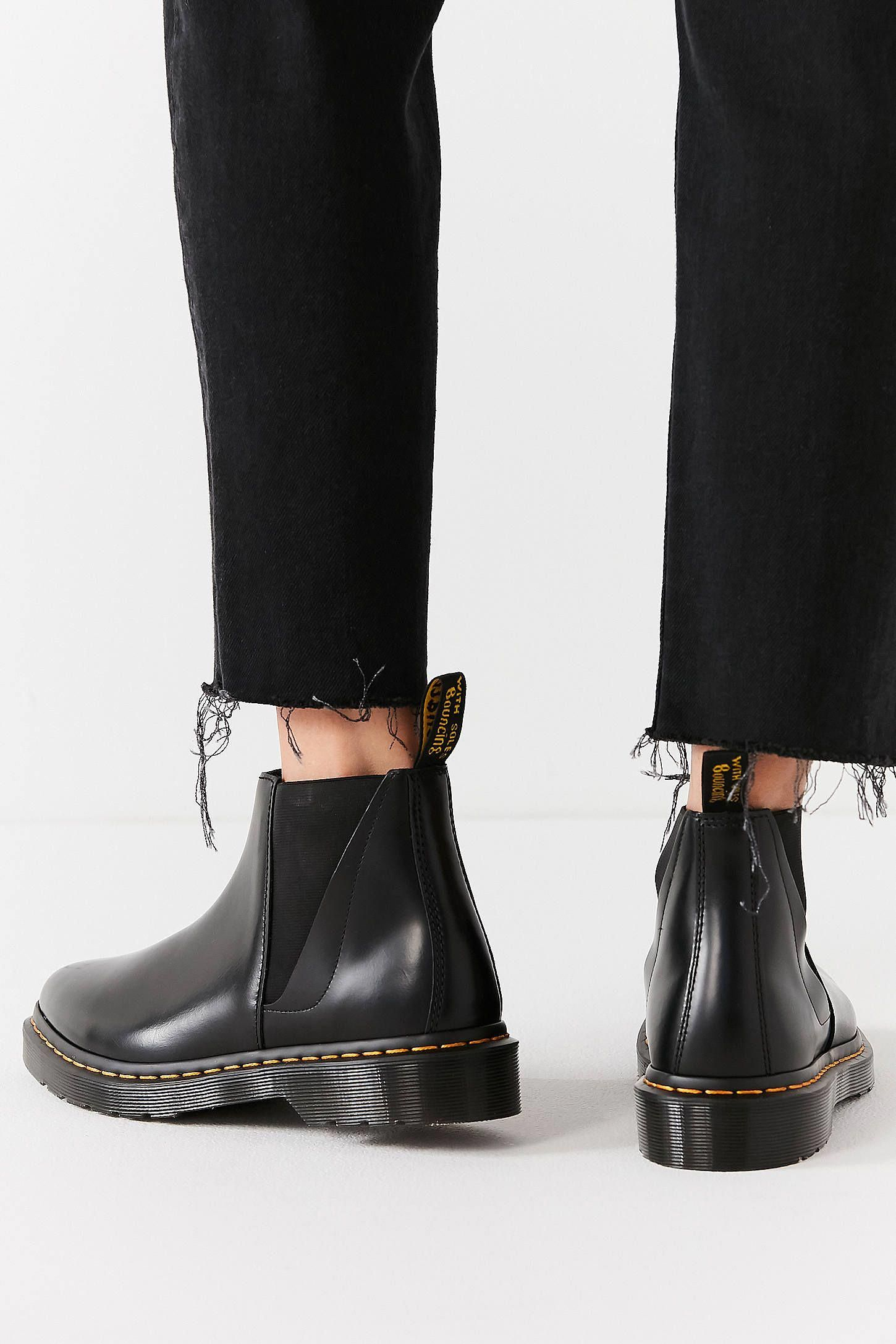 Macchina ricevente Manuale nebbia  Dr. Martens Bianca Chelsea Boot | Urban Outfitters #DocMartensstyle | Chelsea  boots, Boots, Chelsea boots women