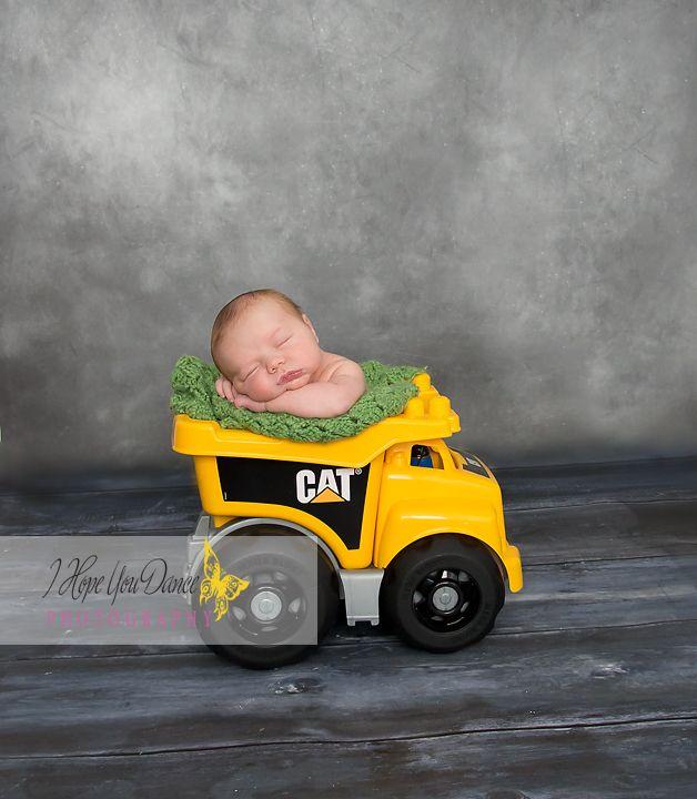Geschenkidee: Newborn Boy Photography www.Ihopeyoudancephotography.com