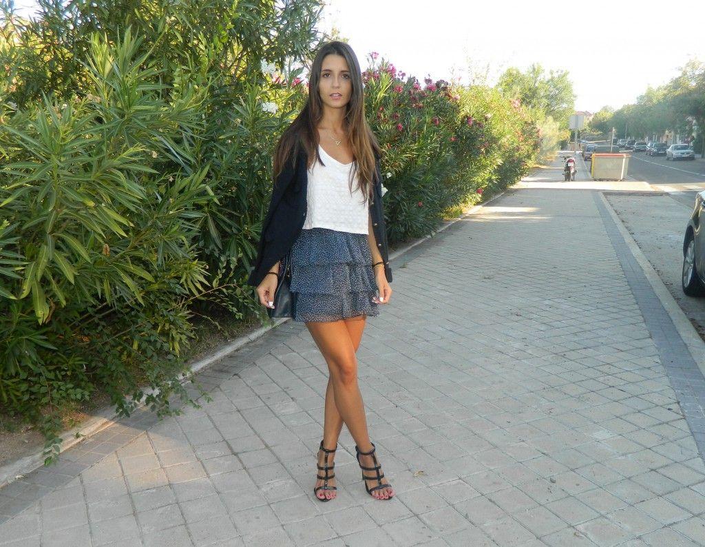 #martasshowcase #dots #polkadots #skirt #zara #topcrop ¢purse #bag #shoulderbag #fashion #blog #blogger  #vintage #sandals #shoes #mango