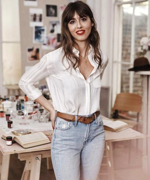 Your Chicest Life with These French Beauty Tips Live Your Chicest Life with These French Beauty Tips Parisian It Girl Violette Wears Perfume to Bed and Never ContoursLive...