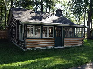 Enjoy A Real Log Cabin Experience In Houghton Lake, Michigan. Vacation  Rental In Houghton Lake From