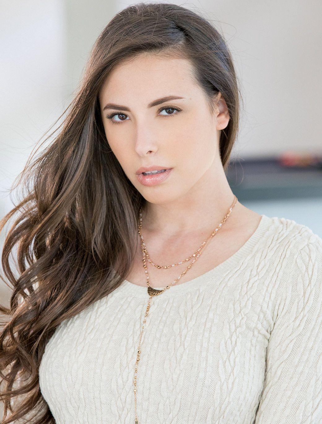 Casey Calvert (actress)