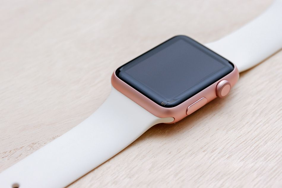 Apple Watch Sport Rose Gold Case With 14 Bands This Is What 42 Apple Watch Sport Case And Band Apple Watch Sport Rose Gold Apple Watch White Apple Watch Band