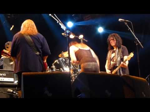 Gov't Mule feat. Beth Hart - I Don't Need No Doctor - YouTube