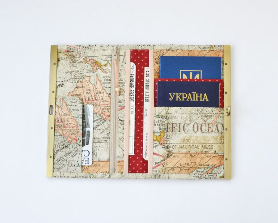 Womens wallet boarding pass holder travel wallet metal frame womens wallet boarding pass holder travel wallet metal frame wallet travel organizer family travel holder mens wallet world map print gumiabroncs Images
