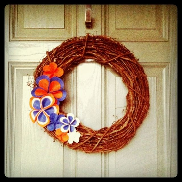 Diy Gator Wreath Wreaths Diy Crafts Halloween Wreath