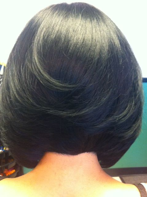 Graduated Bob Hairstyle Created By Rhonda Moffit Owner Of Sister 2 Sister Beauty Salon Lexington Ky Bob Hairstyles Straight Blonde Hair Relaxed Hair