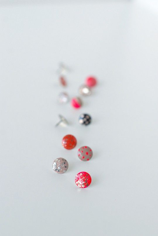 DIY \\ Pretty & Polished Thumb Tacks~ Link to tutorial~ http://www.stylemepretty.com/living/2014/09/02/diy-pretty-polished-thumb-tacks/