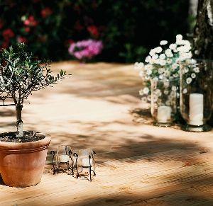 Gardenplaza - Hochwertige Massivholzdielen für eine langlebige, schöne Terrasse