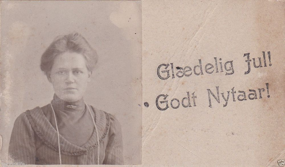 CDV Carte de Visite Photograph Woman Glaedelig Ful! Godt Nytaar! Hans Lehne1903
