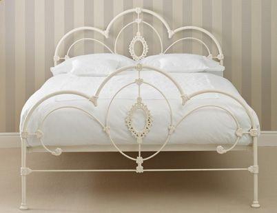 les 25 meilleures id es de la cat gorie cadre de lit 2 personnes sur pinterest cadre de grand. Black Bedroom Furniture Sets. Home Design Ideas