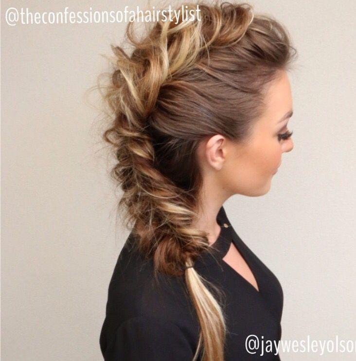 Epingle Par Chelsea Aj Sur Wedding Beauty Coiffure Soiree Cheveux Tresses Belle Coiffure