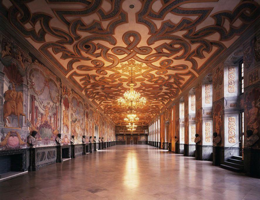 Hannover Galerie Schloss Herrenhausen In Den Herrenhauser Garten Herrenhausen Palace And Museum Hanover Royal Gardens Ge In 2020 Hannover Beautiful Buildings Germany