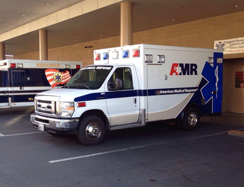 Amr Las Vegas Out At Umc Emergency Vehicles Columbus Fire Department Ambulance