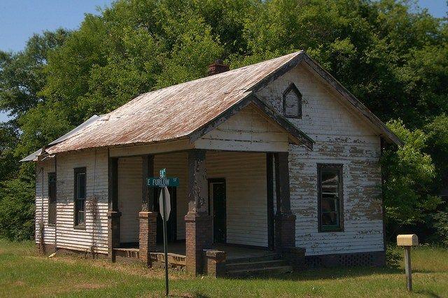 Historic Americus GA Furlow Street Craftsman Cottage Endangered Architecture Photograph Copyright Brian Brown Vanishing South Georgia USA 2015