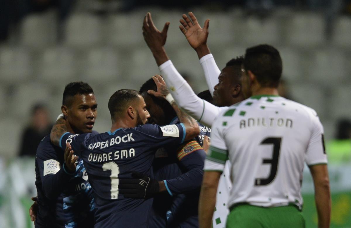 Moreirense não resistiu ao FC Porto no jogo de todas as contrariedades - PÚBLICO