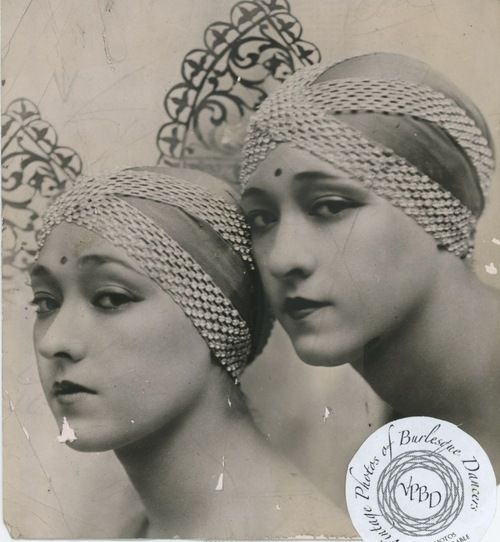 burlyqnell:    Dolly Sisters - Roszika (Rosie) and Janszieka (Jenny) : vintage 5.5x5.5 photo dated 1930.