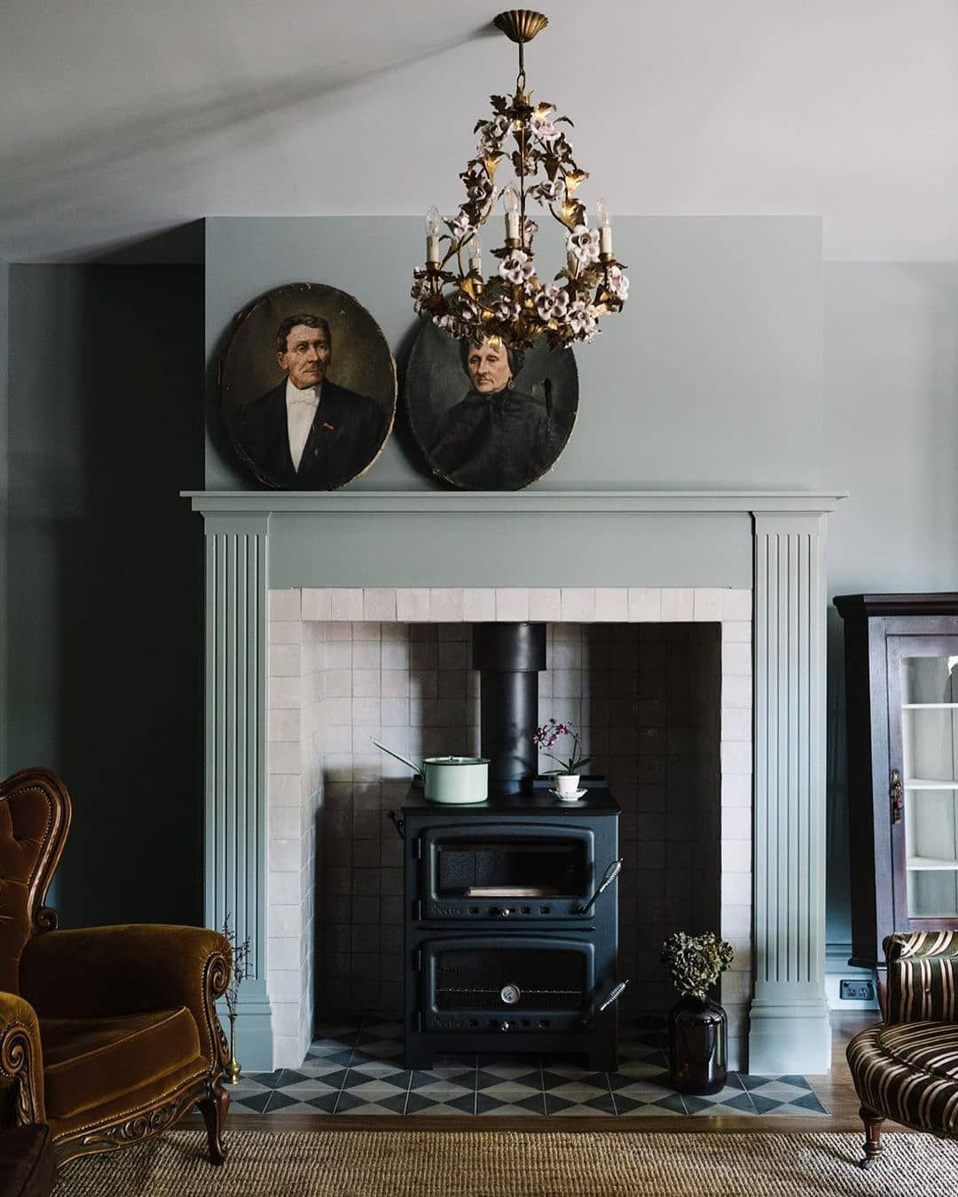 Porter S Paints On Instagram The Distinguished Lumierelodge In Tasmania Every Room Has Been Thoughtfully Des In 2020 Home Decor Interior Design Interior Decorating