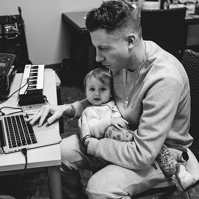 The Sweetest Photos Of Macklemore S Daughter That Will Make You Smile Like A Weirdo Macklemore Macklemore Daughter Celebrity Families