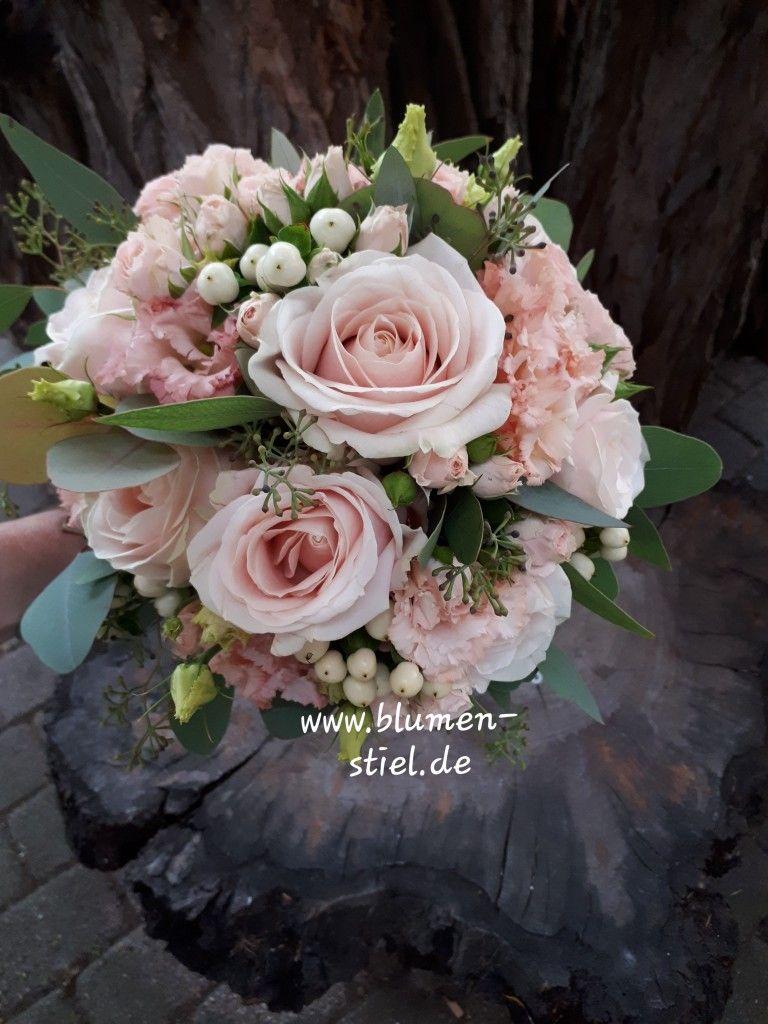 Pin Von Diana Pisch Auf Hochzeit Blumenstrauss Hochzeit Altrosa Hochzeit Brautstrauss Altrosa