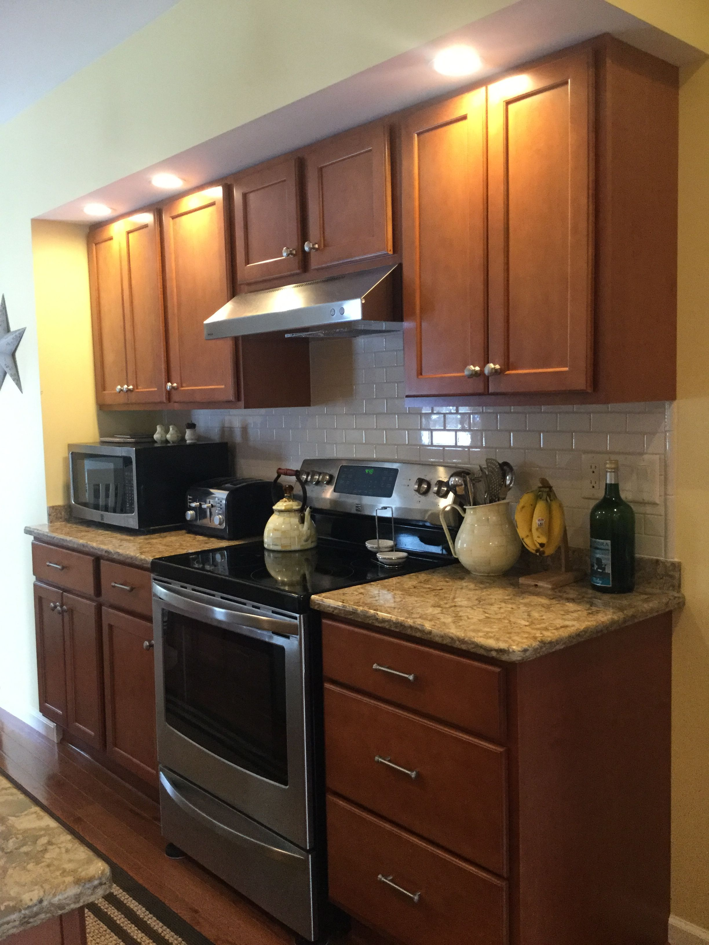 Kraftmaid Cabinets In Cinnamon With Cambria Countertops Datile Backsplash In Almond Kitchen Dining Home Kitchens Kitchen