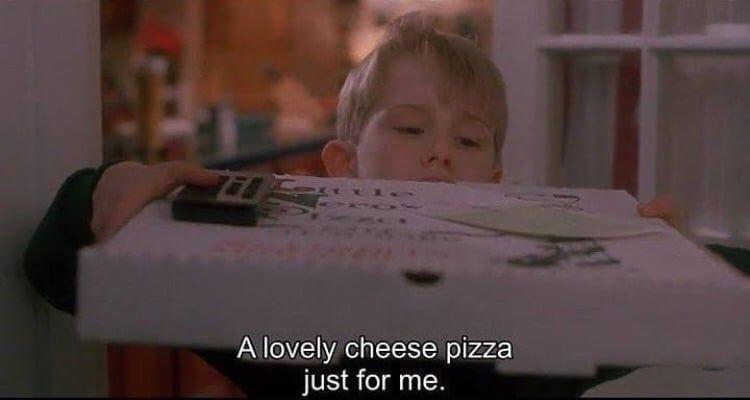 Image about pizza in Food by ᵃ ᵐᵒᵒᵈʸ ᵍⁱʳˡ ˡᵒᵛᵉˢ ᵖᵘʳᵖˡᵉ
