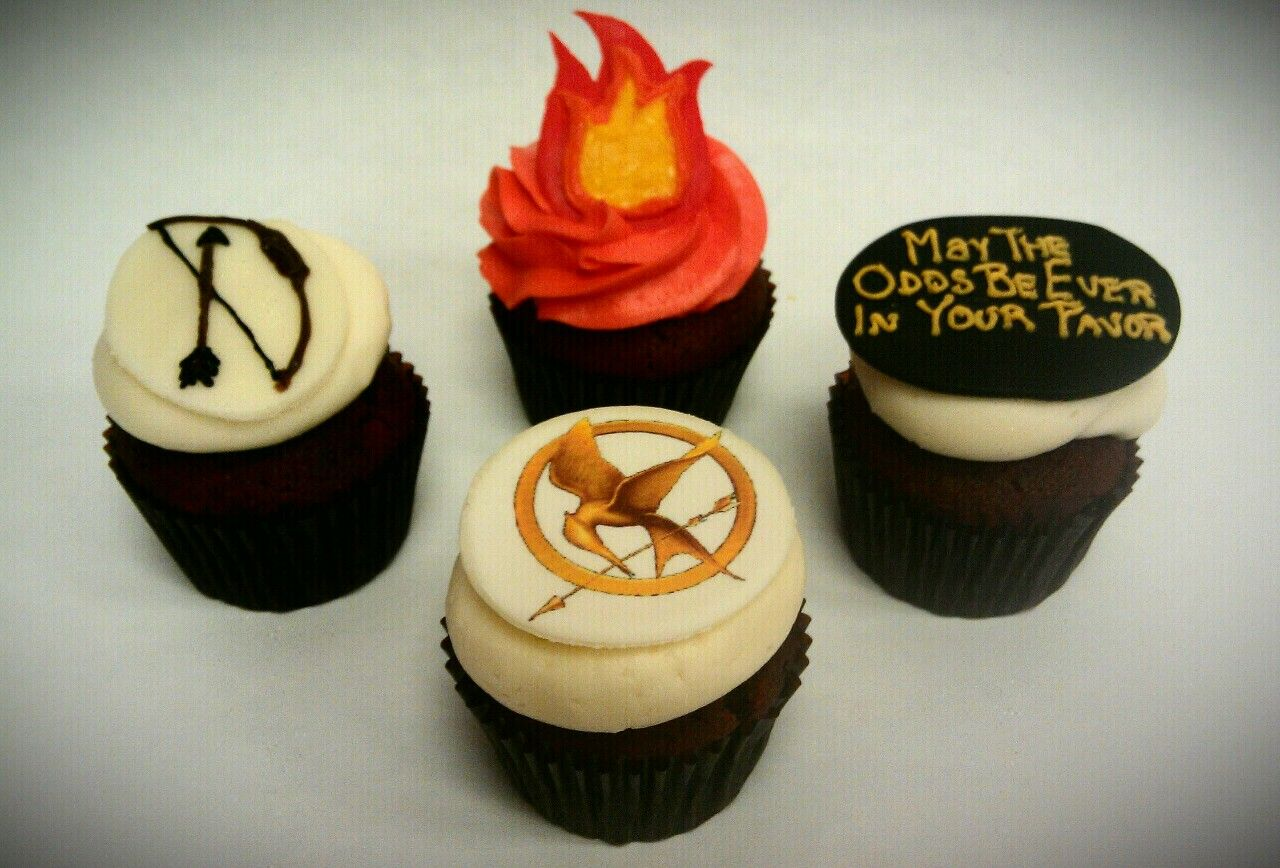 Excited To See The Movie Hunger Games Cupcakes They Look Yummy
