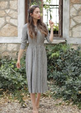 df3c1b718c Pro Modesty is a Christian Fashion Blog centered around Faith, Modest  Fashion and Sisterhood. www.promodesty.com -Pinterest: Pro Modesty  -Instagram: ...