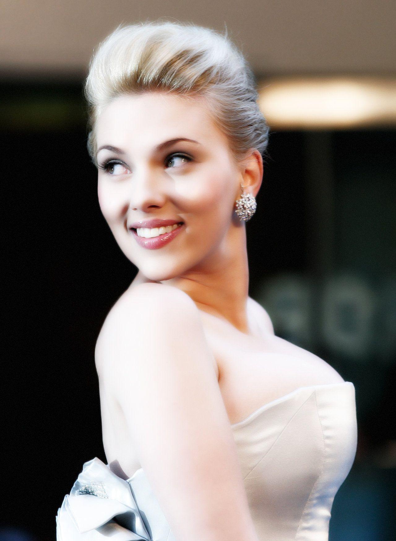 Scarlett Johansson by alubb77 в 2019 г.