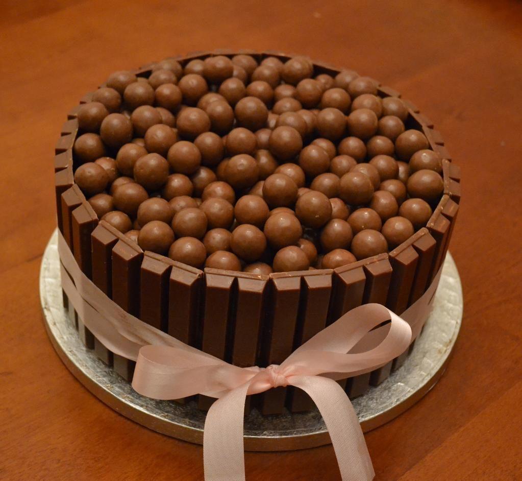 Bekend Maltesers Cake - I love Maltesers!!! and this Kitkat/Malteser cake @RA14