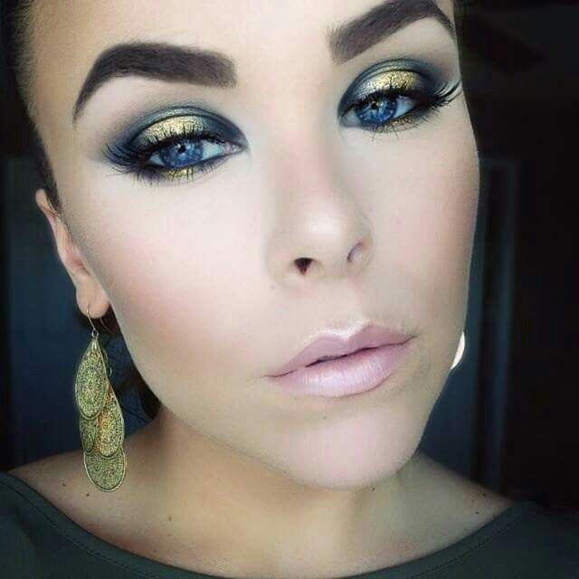 Classic Glittery Holiday Glam Makeup Tutorial ft. A LOT of