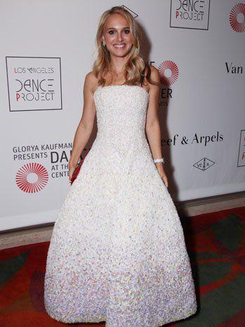 Natalie Portman Goes Blonde Photo