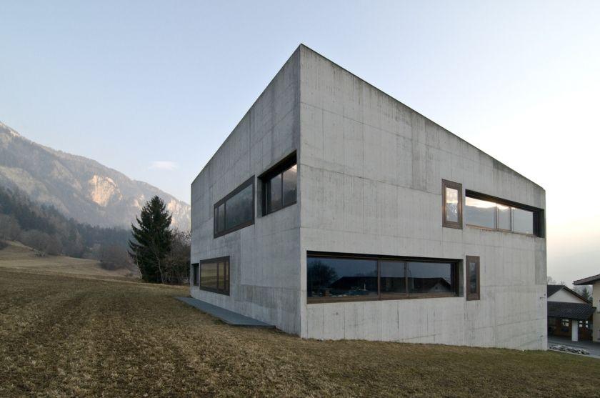 Haus E17 Metzingen Germany 2012: Schulhaus Paspels, Olgiati