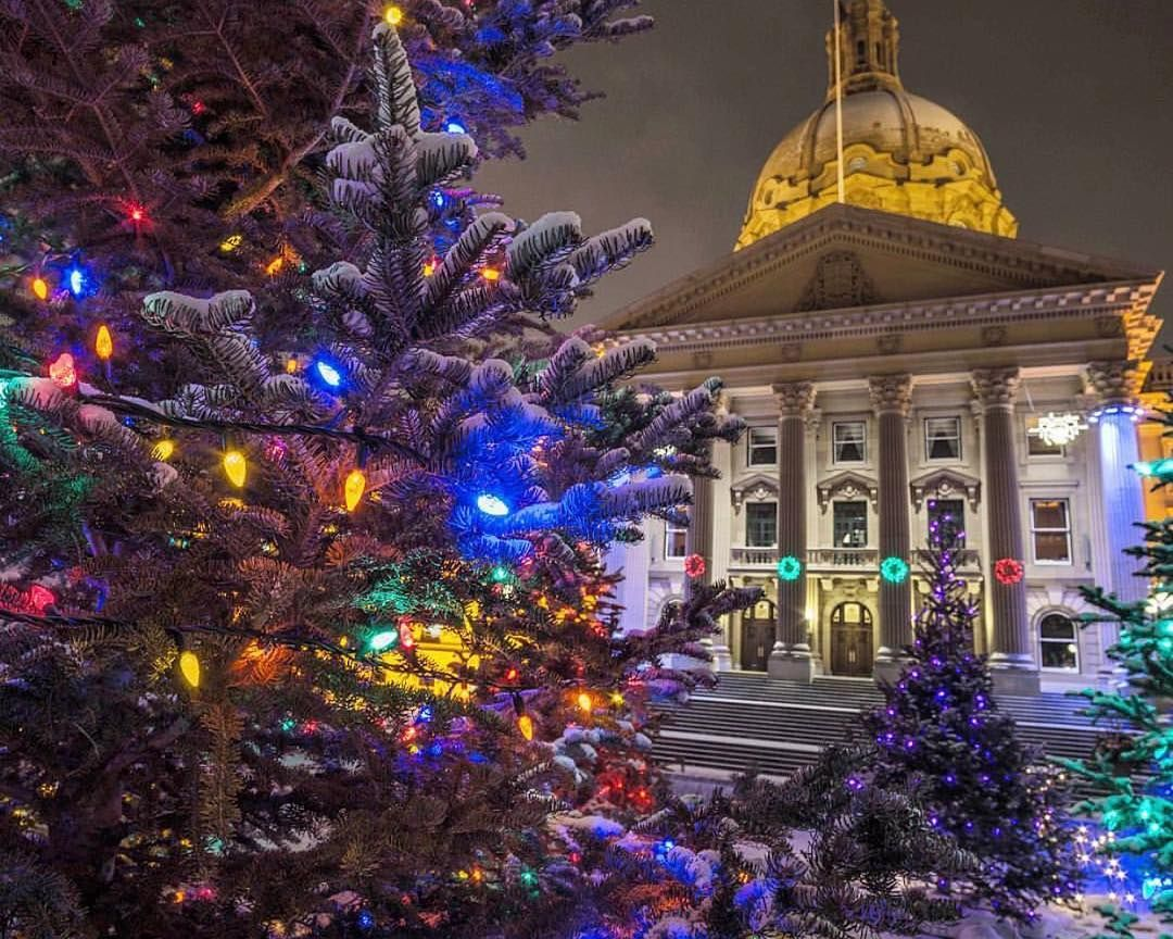 Pin By Laurelredfern On Christmas In Edmonton In 2020 Christmas In The City Alberta Canada Edmonton