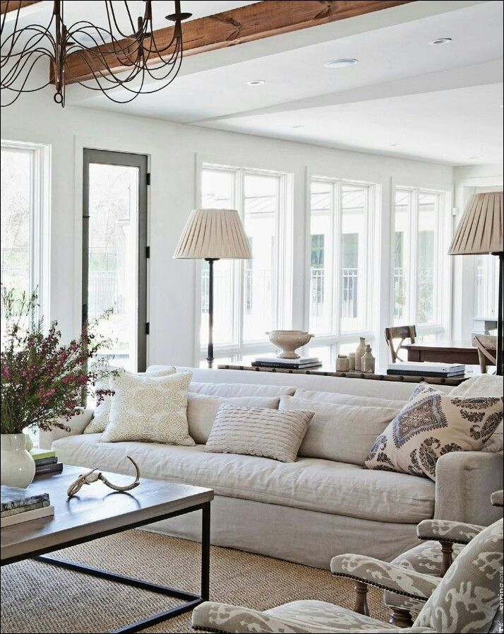 Casual Elegant Living Room: Elegant Searing Area