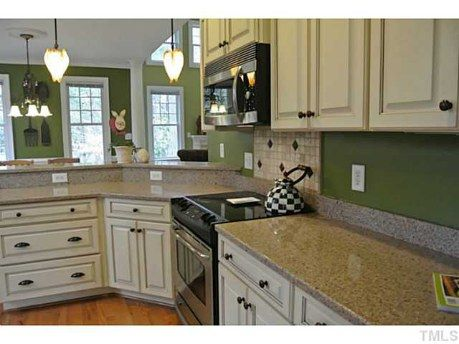 Best Check Out The Home I Found In Raleigh New Kitchen 640 x 480
