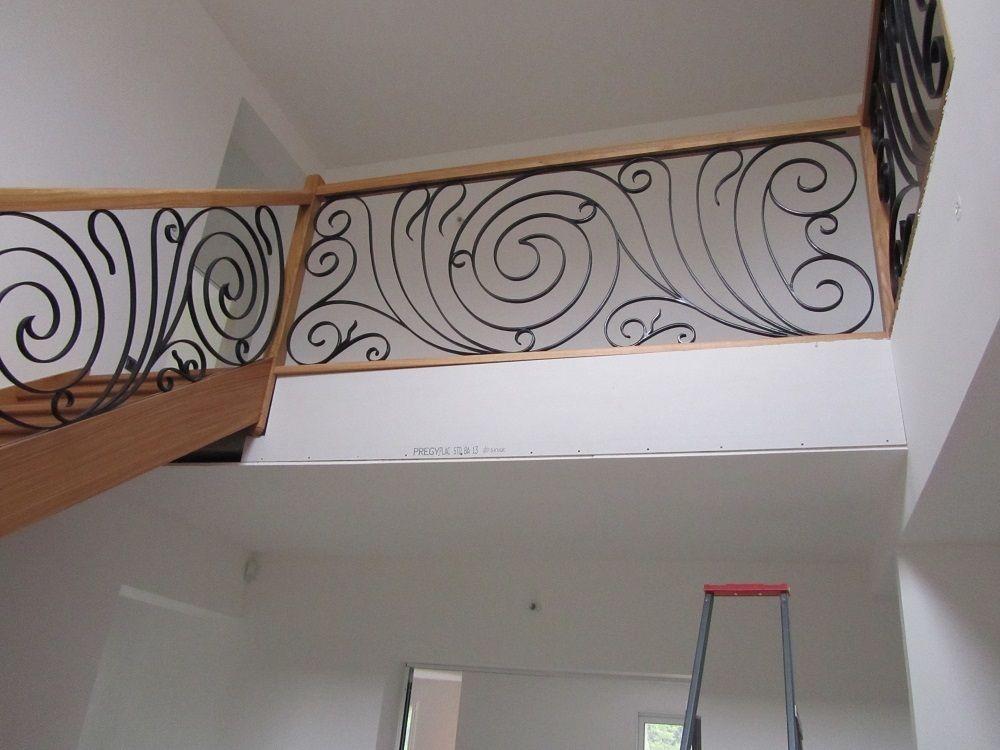 Gamme prestige : Escalier chêne ensemble avec ferronnerie d'art rampe et étage