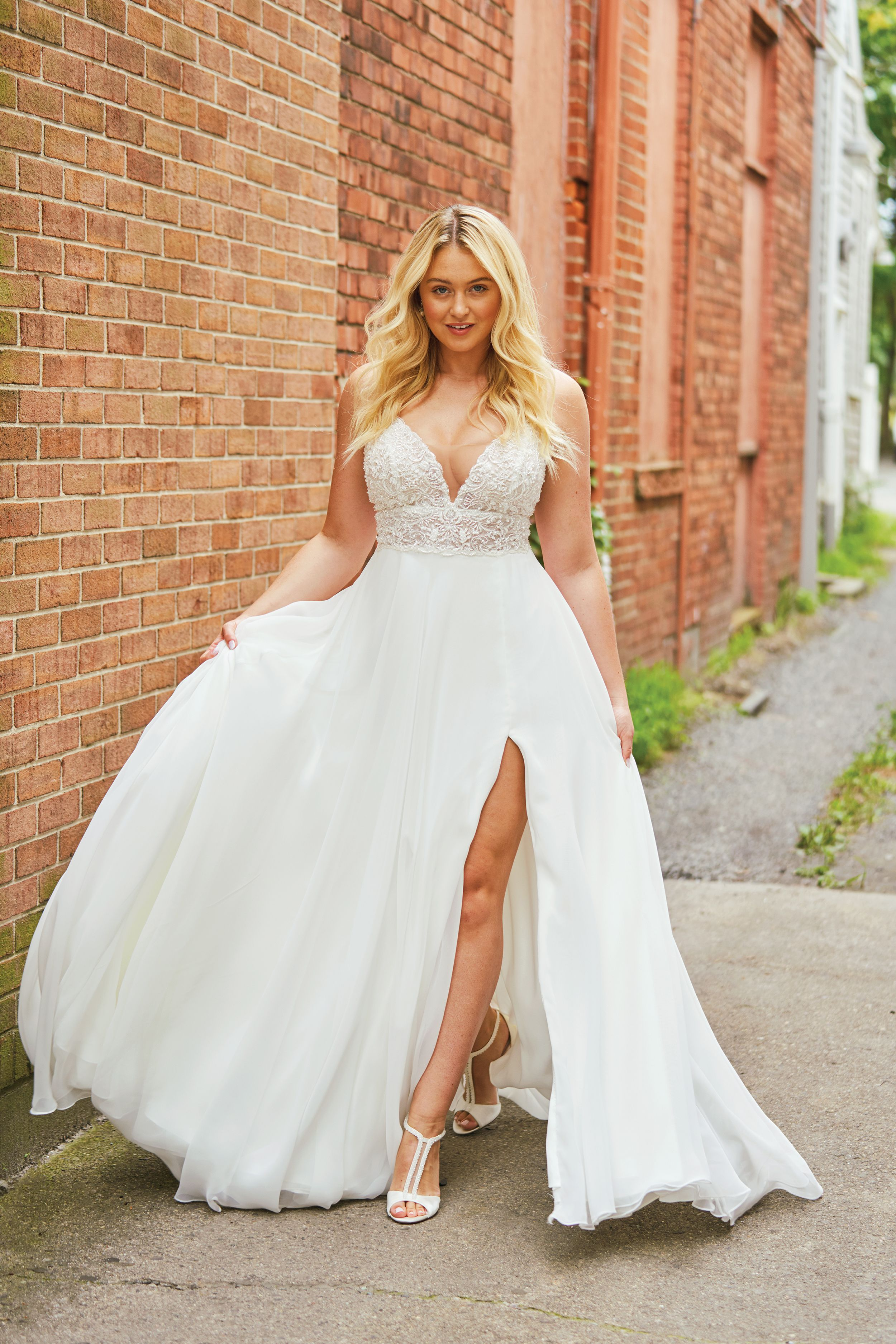 Plus Size Wedding Dresses for the Curvy Bride in 2020