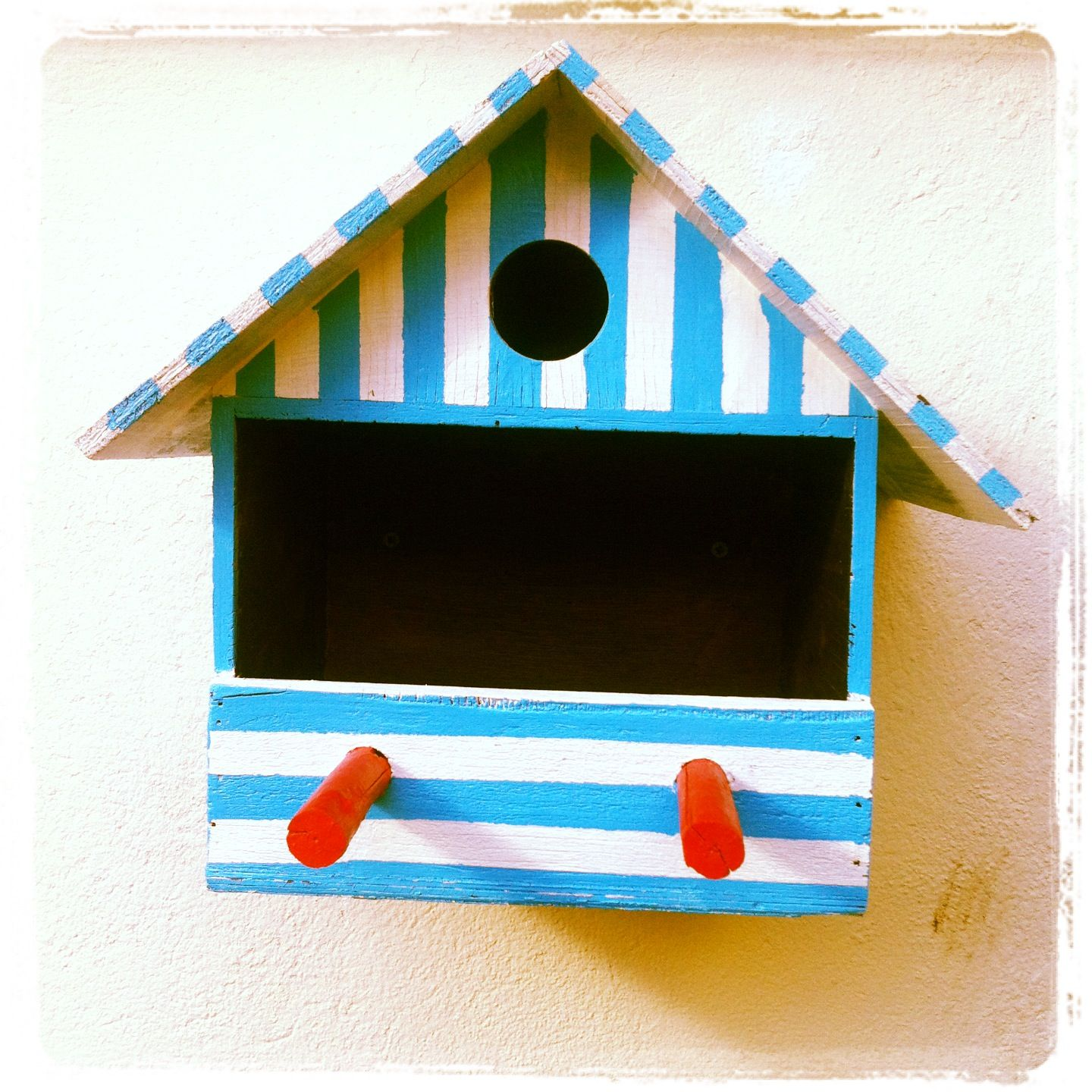 Ma Petite Maison D Oiseau Personnalise By Tweet La Sista Niche Oiseau Rayure Outdoor Decor Bird House Decor