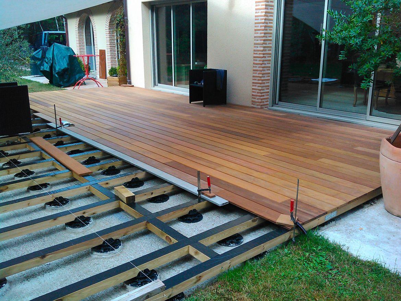 la construction d 39 une terrasse bois pos e sur des lambourdes bois construction terrasse bois. Black Bedroom Furniture Sets. Home Design Ideas