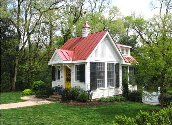 Best Small White House With Red Metal Roof Little Cottages 400 x 300