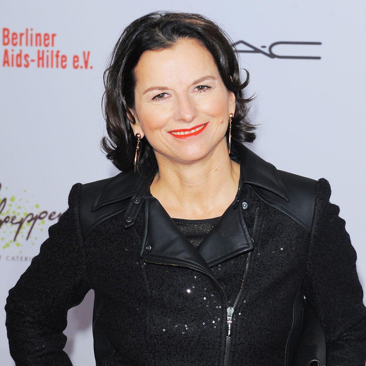 Promis Unter Palmen Claudia Hatte Ein Heimliches Date Promis Palmen Single Fur Immer