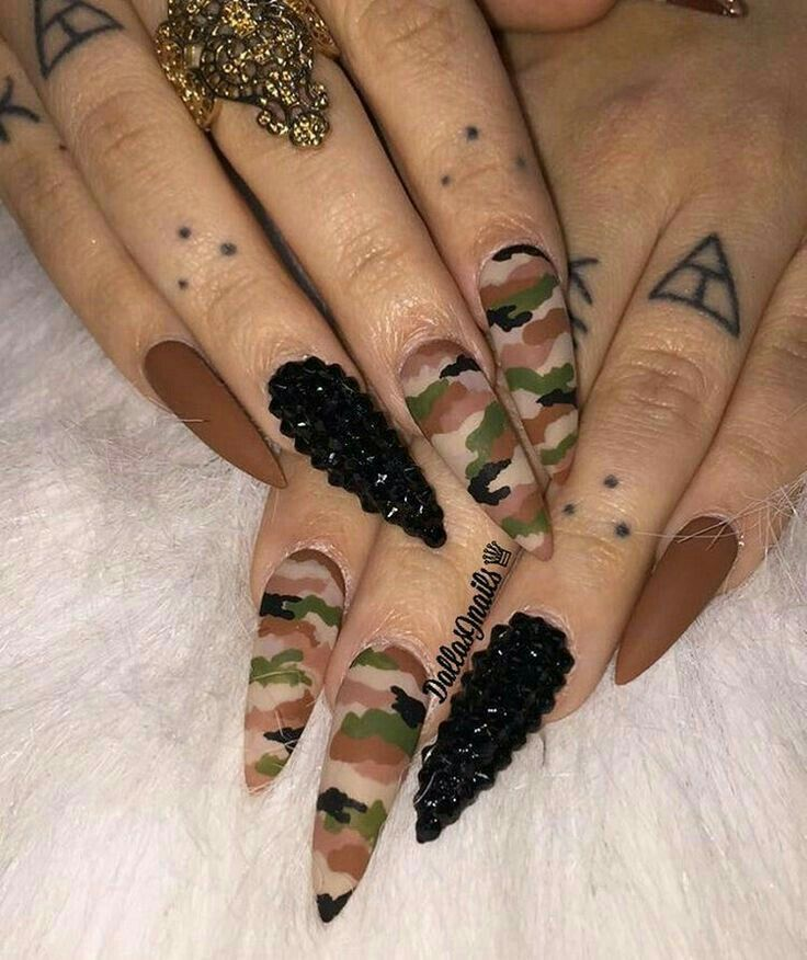 Pin by shakurxo on n a i l s pinterest nail inspo acrylic hate claw nails but would love camo coffin tips prinsesfo Choice Image
