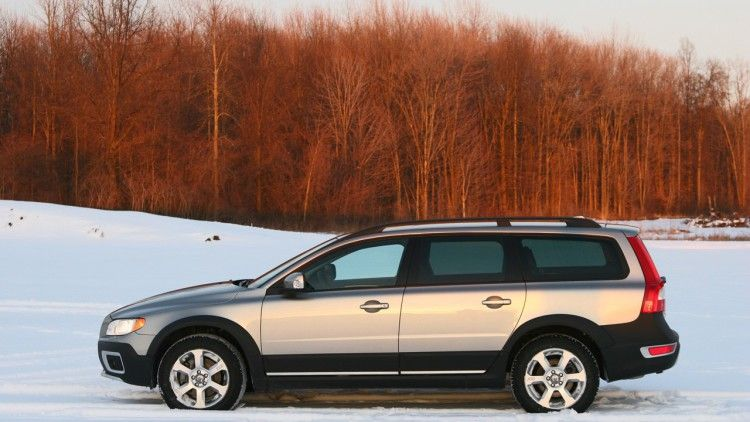 Review 2008 Volvo Xc70 W Video Volvo Wagon Volvo Volvo Station Wagon