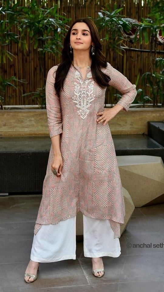 Kurthaa Kurthaa In 2019 Fashion Dresses Indian