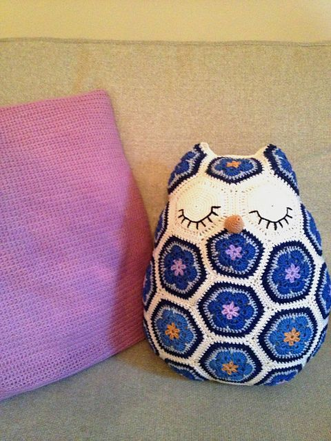 Maggie The African Flower Owl Pillow Pattern By Jos Crocheteria