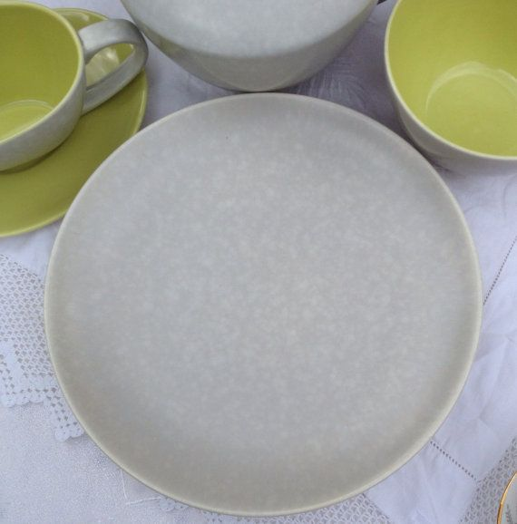 Stunning Set of Four Poole Pottery Twintone Seagull Grey Medium Dinner Plates & Stunning Set of Four Poole Pottery Twintone Seagull Grey Medium ...
