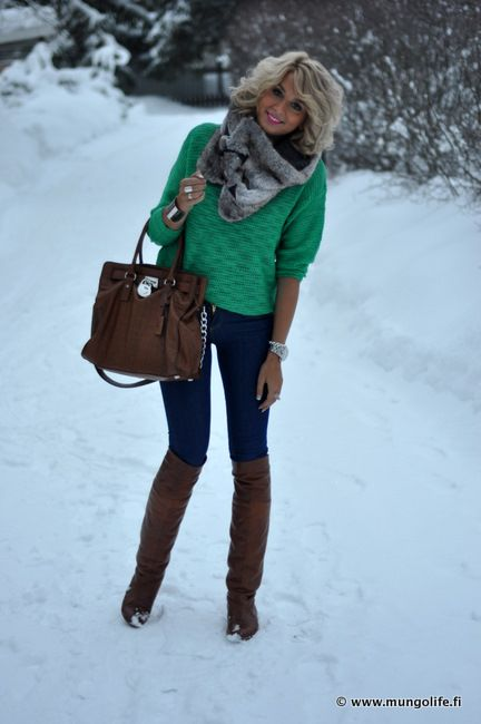Large Sweater // Skinny Denim Jeans // Scarf // Knee High Boots