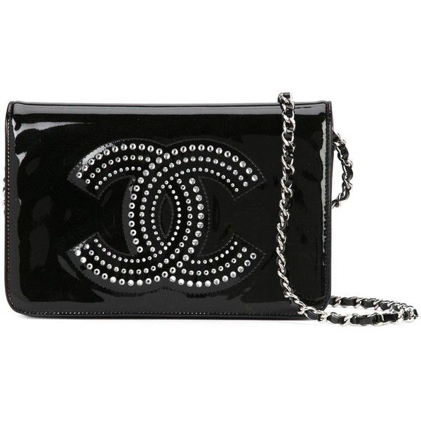 Chanel Vintage CC wallet on chain (1.791.930 CLP) ❤ liked on Polyvore featuring bags, wallets, chanel, black, patent bag, vintage chain wallet, vintage wallet and vintage bags
